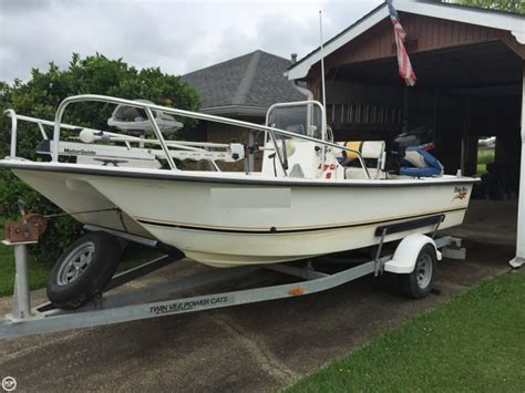 Bay Boat Twin Engine by 2004 Used Twin Vee Bay Cat 19 Center Console Fishing Boat