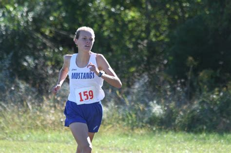 olivia graebe wins cross country sectional washington middle high
