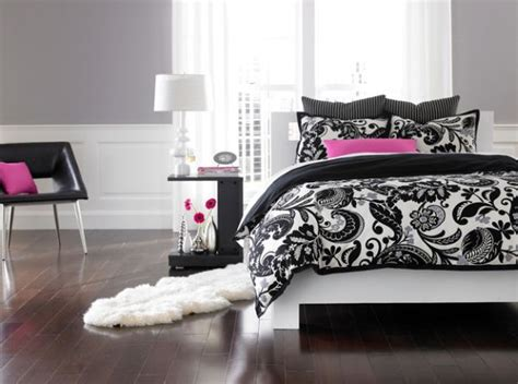 black pink and white bedroom accent couch and pillow ideas for a cool contemporary home 18350 | Contemporary bedroom in black and white with pink accents