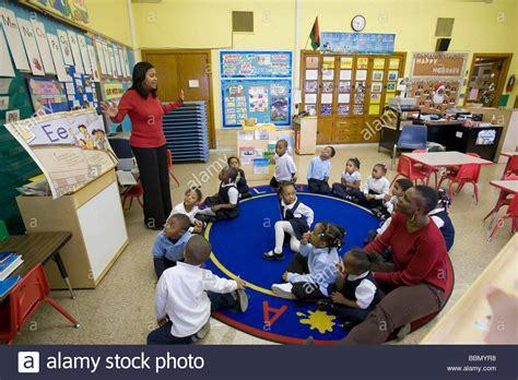 pre kindergarten classroom in detroit schools stock 489 | pre kindergarten classroom in detroit public schools BBMYR8