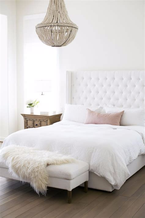 White Bedroom Chandelier by 10 Extraordinary Suggestions For Master Bedroom Lighting