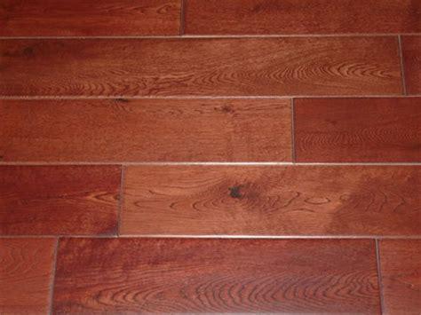"FloorUS.com   5"" MultiLayer Engineered Hardwood Floor Oak"
