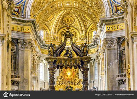 baldacchino di s pietro basilica bernini baldacchino spirito santo vaticano roma