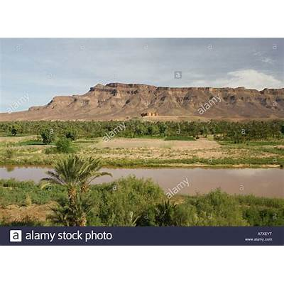 MOROCCO Draa Valley AGDZ: View along River or