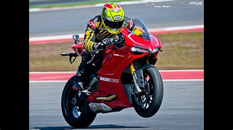 Benelli Tnt 899 4k Wallpapers by 2013 Ducati 1199 Panigale R Ride Motousa
