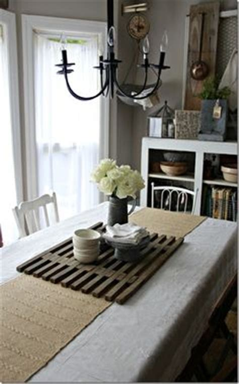 upcycled wood table runner. Have seen those before but