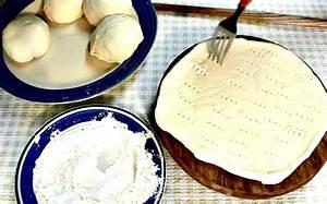 Pate A Sel Sans Cuisson : elle pr pare une p te pizza maison sans cuisson au four sa recette est facile ~ Farleysfitness.com Idées de Décoration