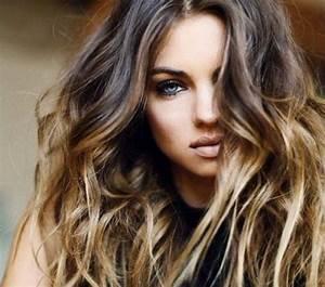 Cheveux Couleur Caramel : coupe de cheveux femme couleur caramel coiffures modernes ~ Melissatoandfro.com Idées de Décoration