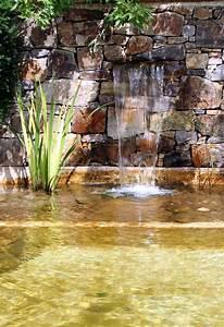 Gartenteich Mit Wasserfall : gartenteich mit wasserfall stockbild bild von garten 42411123 ~ Orissabook.com Haus und Dekorationen