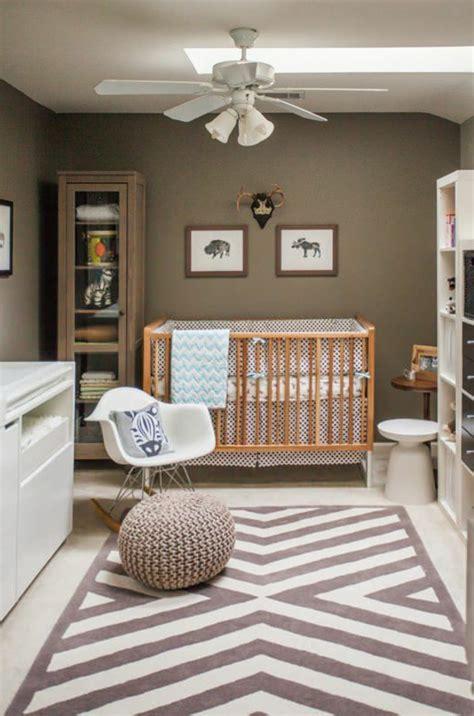 peinture pour chambre gar輟n décorer la chambre bébé garçon conseils et exemples archzine fr