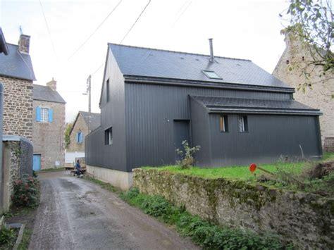 maison ossature avec bardage gris anthracite fa 231 ade bois fibro ciment ou m 233 tallique