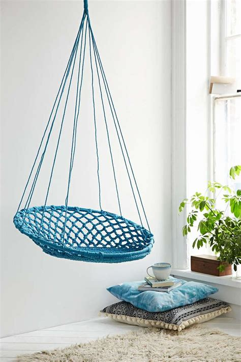 chaise suspendue interieur chaise suspendue bleue outfitters what a
