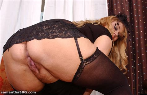 huge busty mommy in black lace mature xxx pics