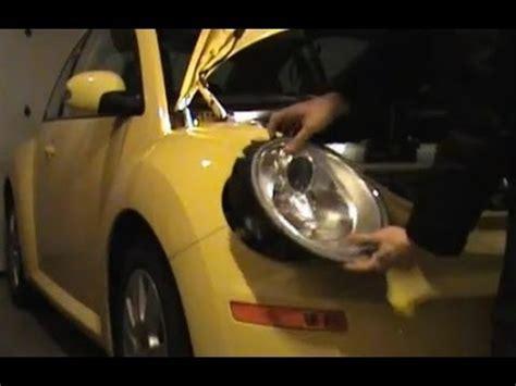 how to change headlight bulb on vw beetle 2009 10