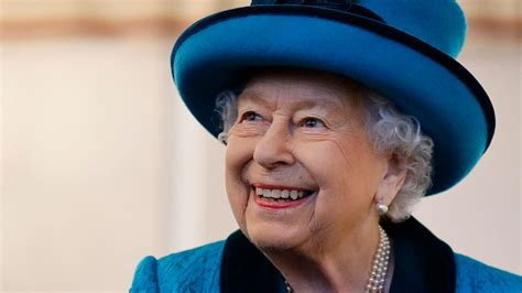 Queen Elizabeth Beams During Royal Outing Amid Prince Andrew Scandal | Access