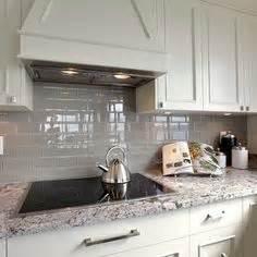new kitchen tiles delicatus white granite photo by kitchenaddict 1085