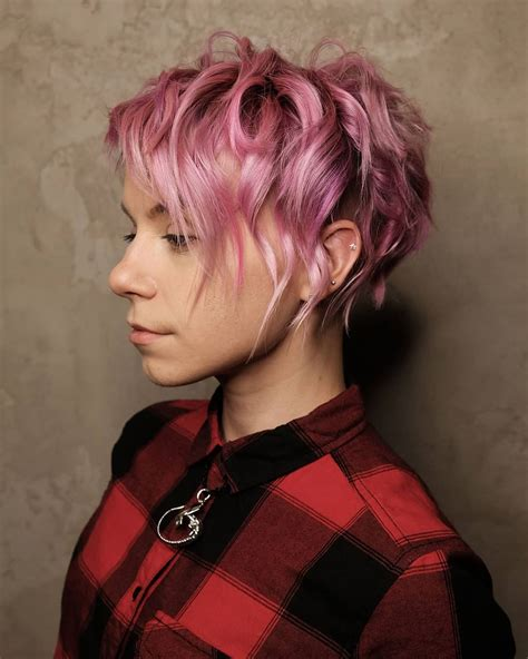 10 Stylish Pixie Haircuts Women Short Undercut