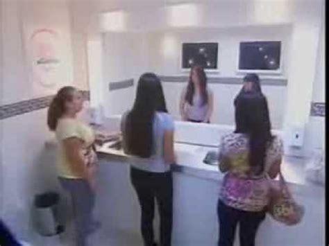 Bathroom Mirror Prank by La Mejor Broma En Brazil El Espejo De Invisible Hola Soy