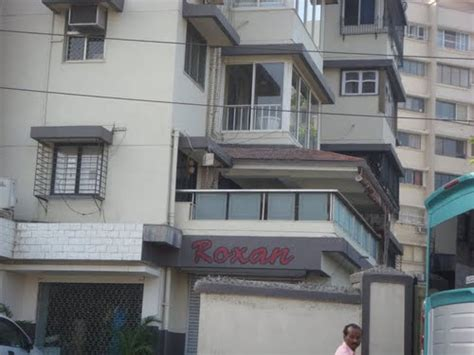 Unbelievable Salman Khan Left From Luxurious Bungalow And
