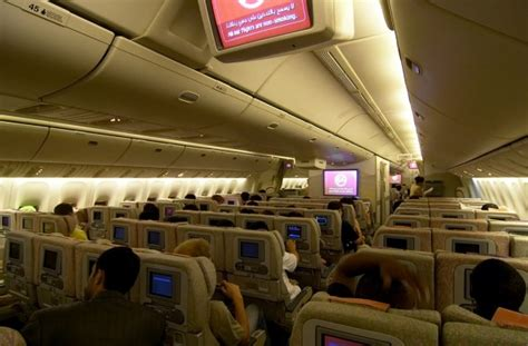 plan siege boeing 777 300er seat map emirates boeing b777 300er two class seatmaestro
