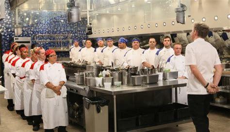 hell s kitchen season 4 hell s kitchen recap 4 3 14 season 12 episode 4 17 chefs