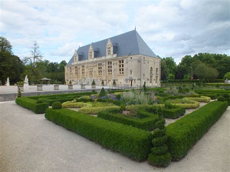 Chateau De Grand Jardin by Activit 233 S Bienvenue Au G 238 Te Rural 4 233 Pis Le Pigeonnier 224