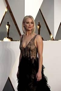 Jennifer Lawrence - Oscars Red Carpet Arrivals: Red Carpet ...