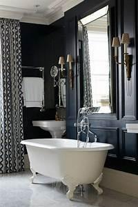 Aménager Salle De Bain : am nager une petite salle de bain de style baroque avec murs noirs sdb diy bathroom decor ~ Melissatoandfro.com Idées de Décoration
