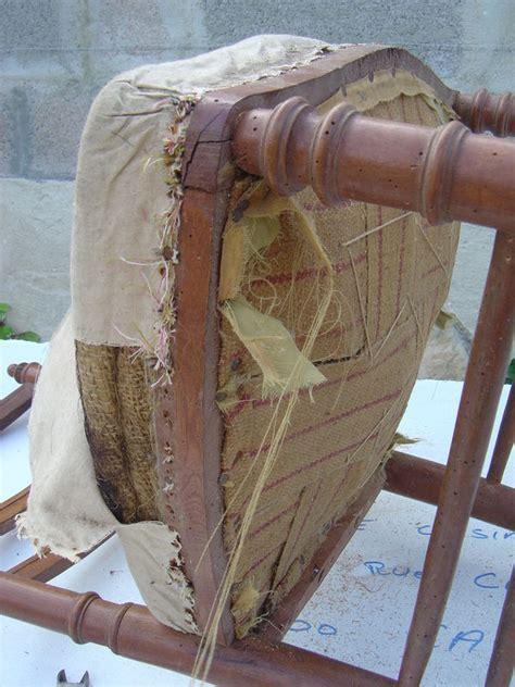 relooker chaise en bois première rénovation de chaise ancienne cottage et patine