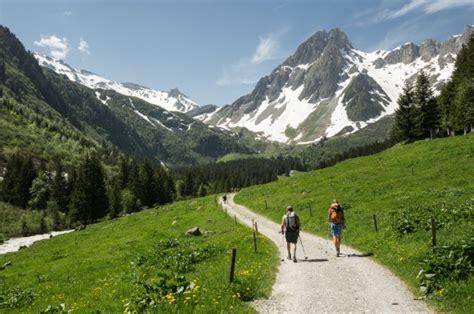 tour du mont blanc itineraire le tour du mont blanc itin 233 raire et 233 kazaden