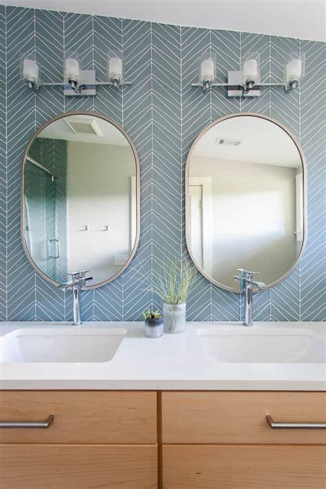 oval mirror ideas   bathroom