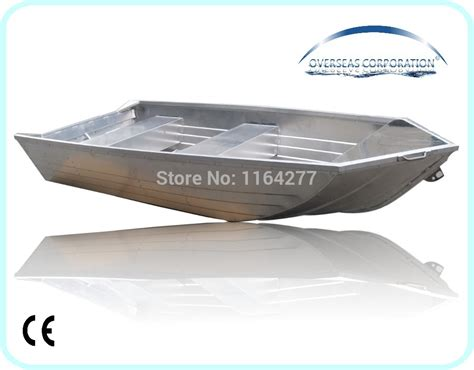 16 Foot Flat Bottom Boat by 16 A Bow And Flat Bottom Aluminum Boat In Rowing