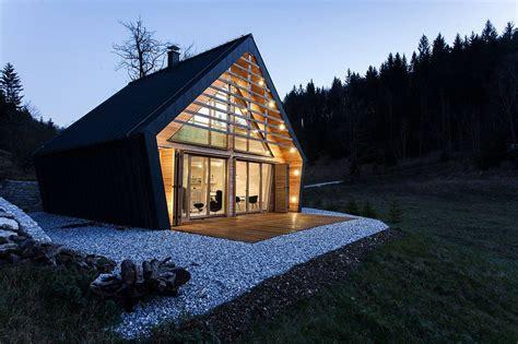 modern wooden house  slovenia  studio pikaplus