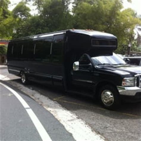 Luxury Transportation Services by Vip Luxury Transportation Services Limos Avenida San