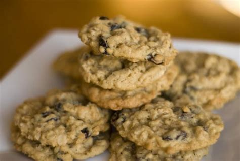 This was grandma's favorite oatmeal cookie recipe, made with oats, brown sugar, white sugar, flour, and shortening. Diabetic-Friendly Oatmeal Raisin Cookies - My Diabetic Friends