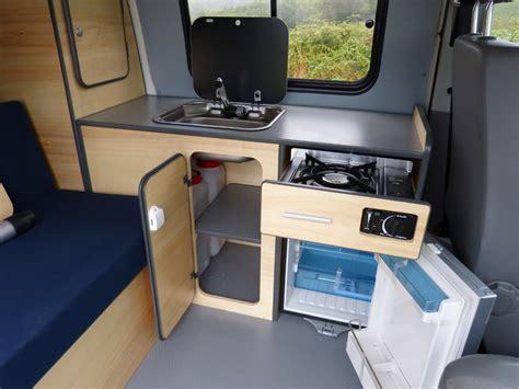 camion amenage pour cuisine avec le kit east vous disposez de grands espaces de