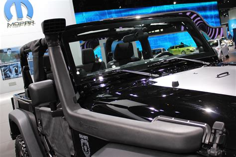 Any Pics Of The Restyled 2018 Jeep Wrangler Autos Weblog