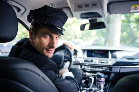 Chauffeur Service Near Me by Airport Limo Service Near Me Stay Transportation