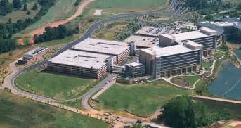 lowes headquarters corporate office address phone numbers