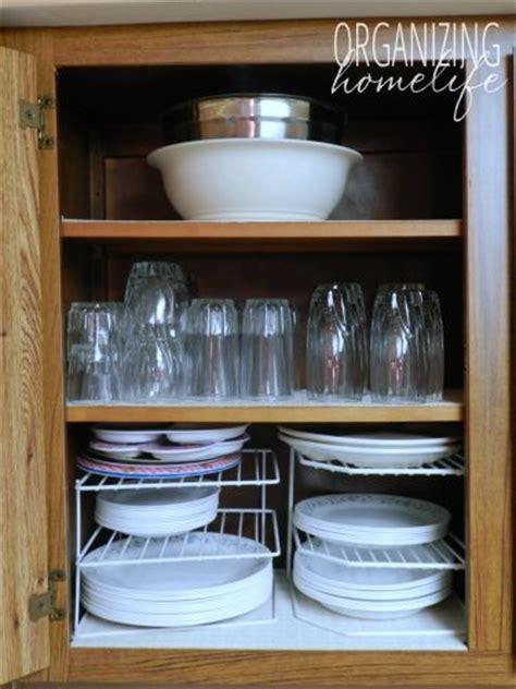 how do you organize kitchen cabinets best 20 organize kitchen cupboards ideas on