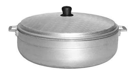 cast iron caldero town 34318 18 5 qt aluminum caldero with lid