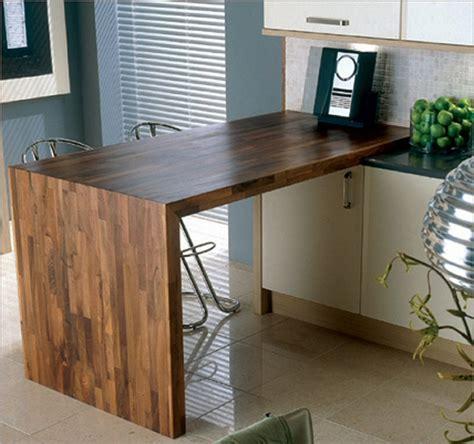 plan de cuisine bois comment fixer un plan de travail au sol