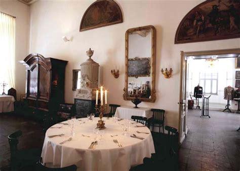 Tisch Rund Groß by Sternhaus Wolfenbuettel
