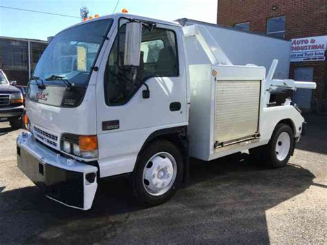 Isuzu Npr Truck
