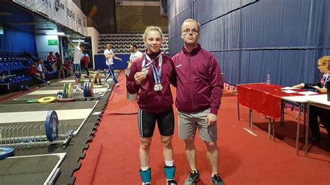 Svarcēlāja Ivanova neiekļaujas svarā un zaudē cerības uz medaļu jaunatnes olimpiādē - Spēka ...
