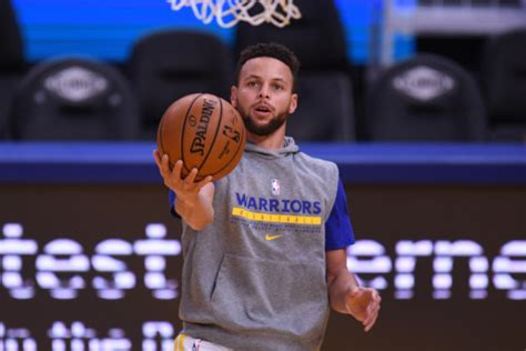 Warriors' Steph Curry to show solidarity with the Asian ...