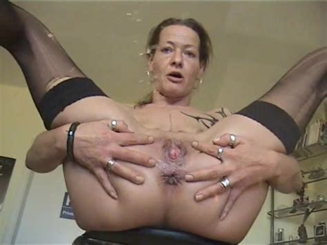 Sexy Milf Piss Pissing Porn At Thisvid Tube