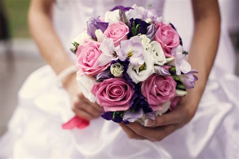 Find Out What Your Wedding Bouquet Says About You Arabia