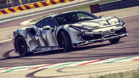ferrari  making   pista exclusively  racing