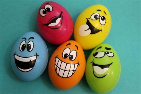 eier bemalen gesichter eier gesichter malen kreativ wettbewerb die ostereier gestalten lustige eier mit gesichtern